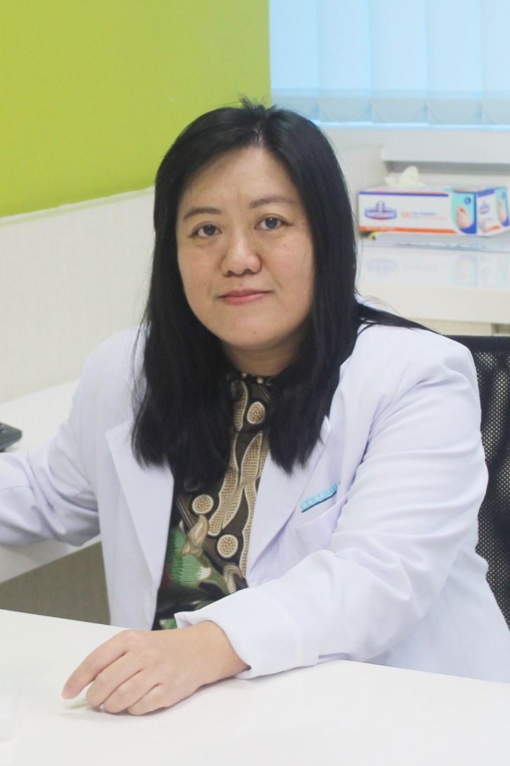 Dr. Junita Siusanti